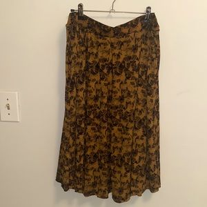 Mustard color Madison skirt with pockets